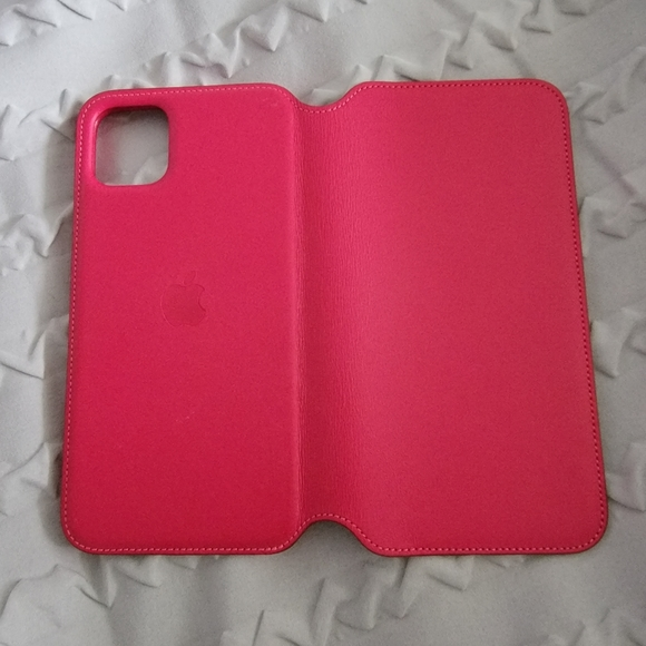 Apple folio case iPhone 11 pro max raspberry
